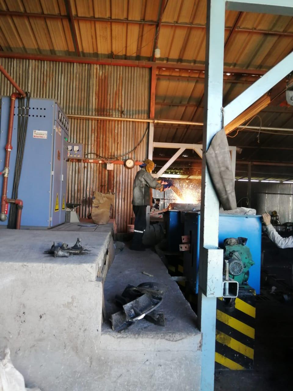 200kg induction melting furnace working site