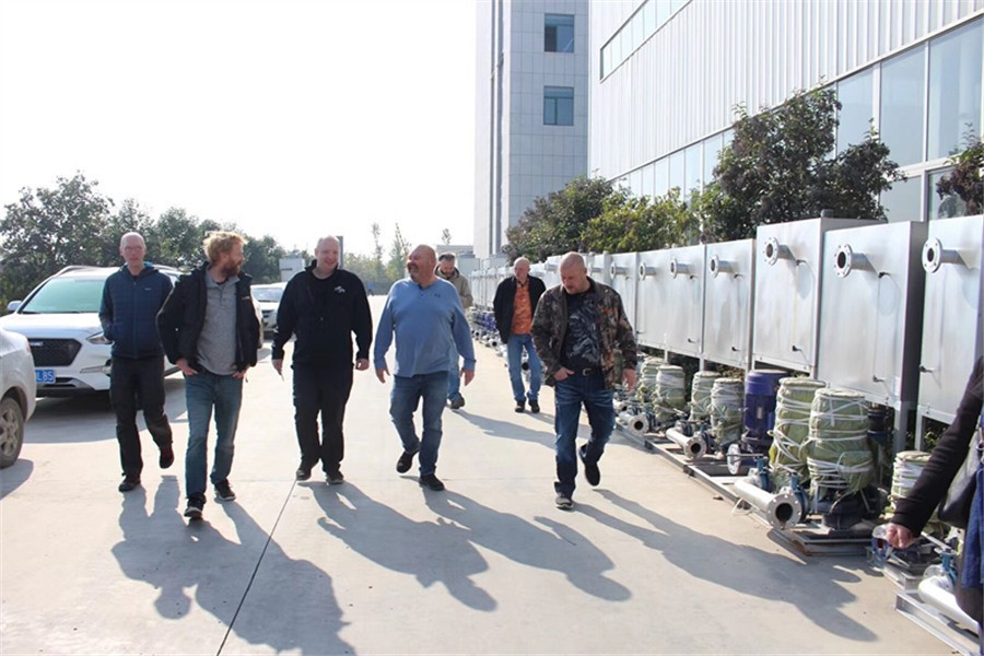 foreign customers visit enclosed water cooling system